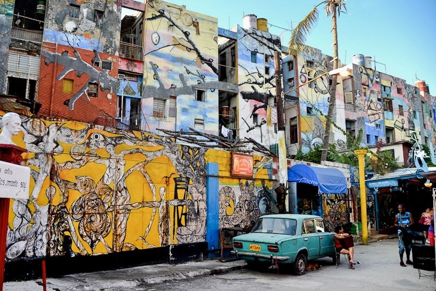 Le véritable Callejon de Hamel à la Havane. ©