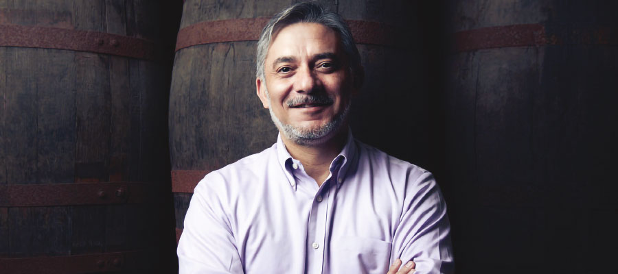 Juan Piñera,  Maestro de Ron de Bacardí